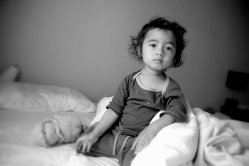 Los niños tienen derecho a no dar besos ni abrazos si no quieren hacerlo