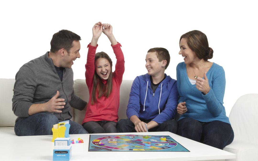 familia-jugando-1080x675