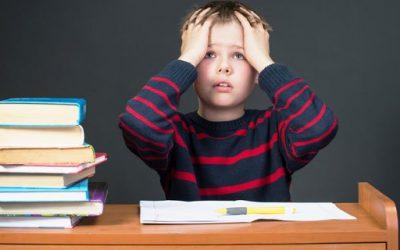 7 trucos para conseguir que al niño le resulte fácil estudiar