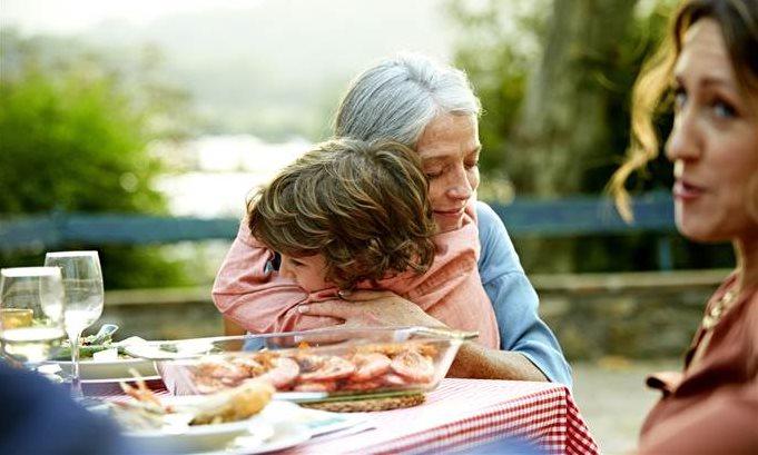 Los abuelos: mucho más que canguros